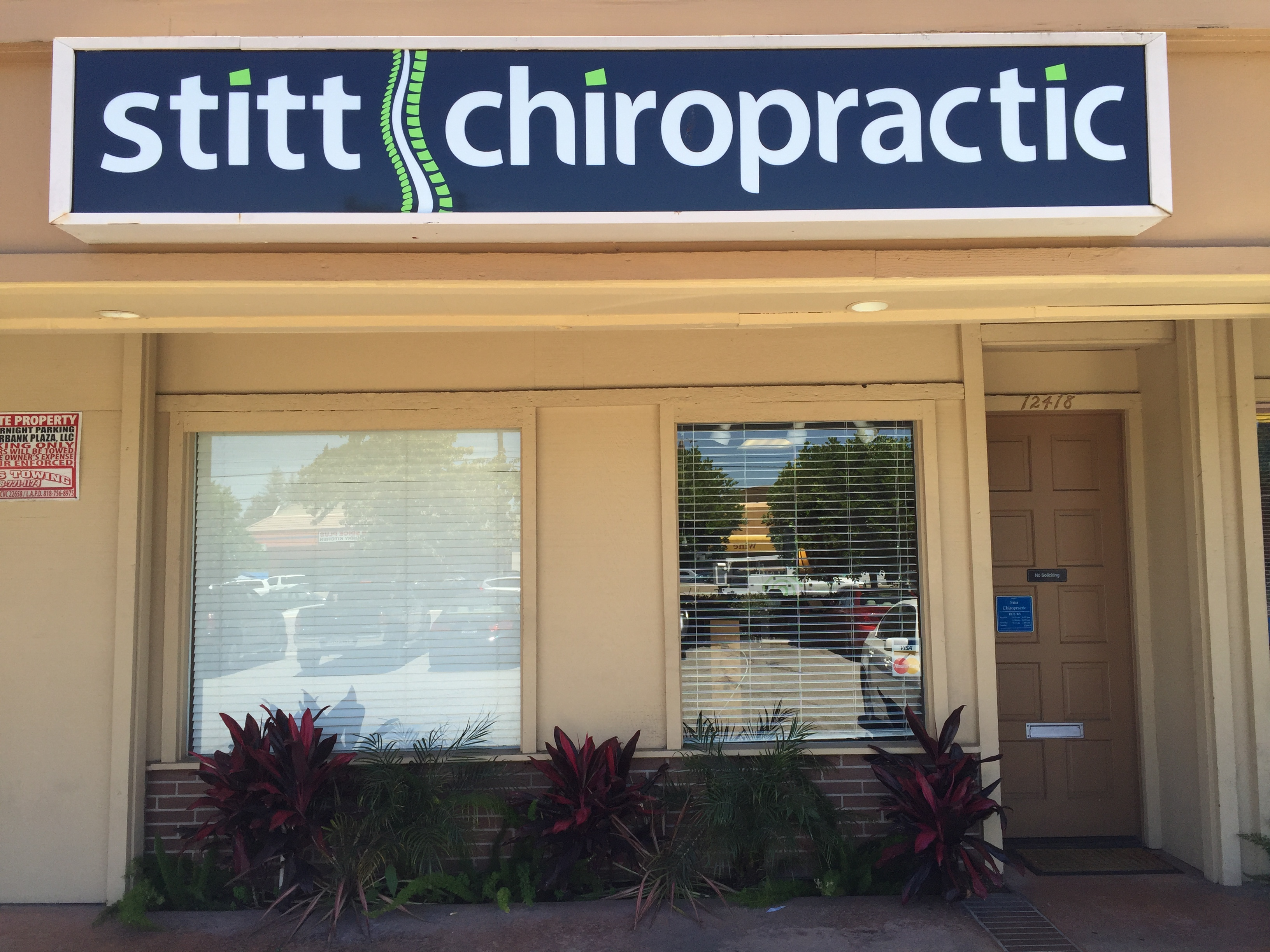 north hollywood chiropractor office